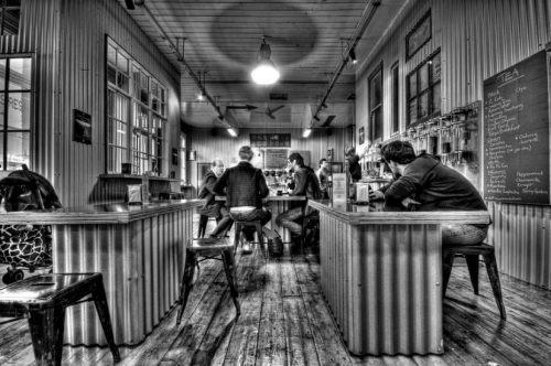 1 toby-cafe-900